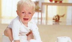 понос с кровью у ребенка