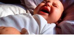 У ребёнка по ночам болит живот