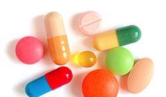 Какие таблетки выпить, если болит желудок: препараты и лекарства в домашних условиях для снятия боли в животе