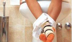 Почему болит в правом боку после туалета