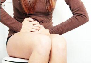 Боль в животе проходит после дефекации